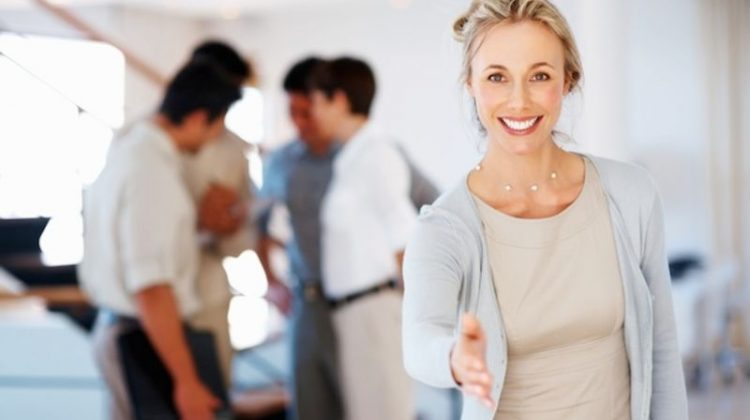 Networking Tip: Introduce Yourself to the Organizer